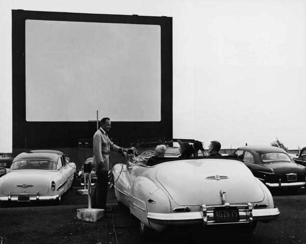 SUNSET DRIVEIN  DriveIn Movie Theater  Middleport New